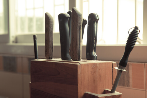 knives in knife holder kitchen
