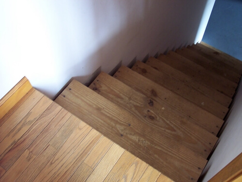 stairs to unfinished basement