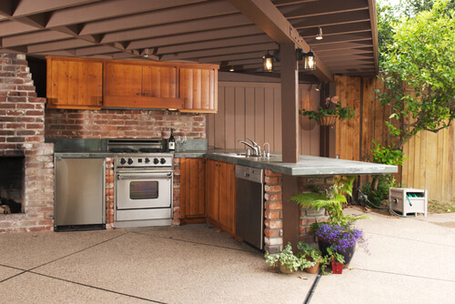 fitted outdoor kitchen