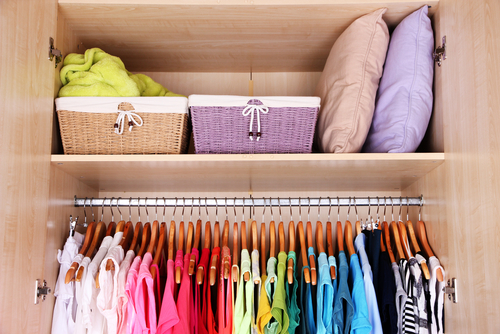 organized summer closet & 8 Sensible Closet Storage Solutions To Try Today