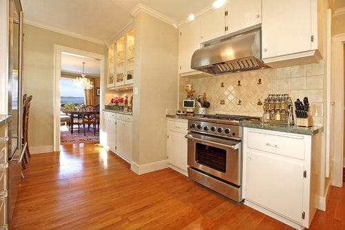 White Kitchen Oak Floor hardwood flooring product profile: what are red and white oak?