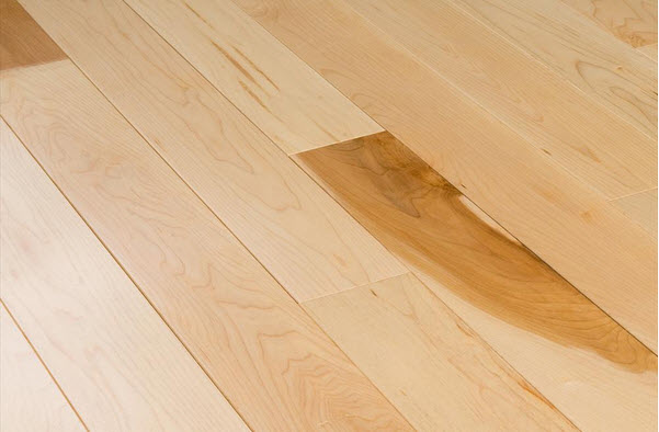 maple wood flooring color and grain pattern